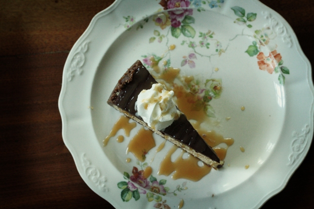 top of iced mocha cheese cake on plate
